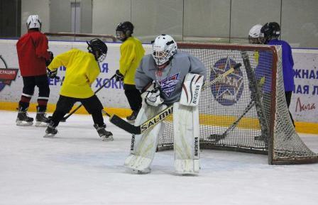 Популярный хоккейный тренировочный центр BASE Hockey