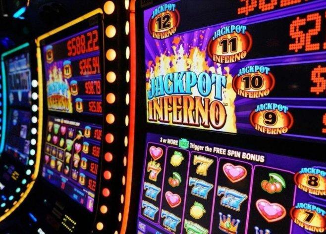 В азартные игры всегда приятнее играть на реальные деньги.