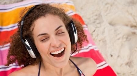 Где скачать новую популярную музыку.